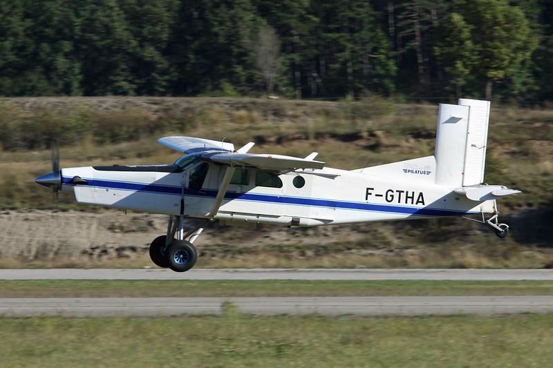 F-GTHA Pilatus PC-6B2-H4 Turbo Porter c/n 939 Gap-Tallard/LFNA/GAT 05-10-12
