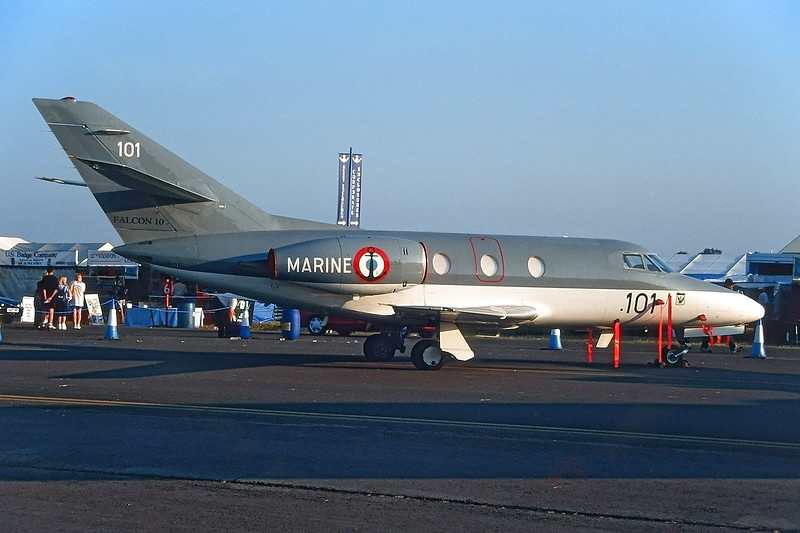 "101 Dassault Falcon 10 MER ""French Navy"" c/n 101 Fairford/EGVA/FFD 25-07-99 (35mm slide)"