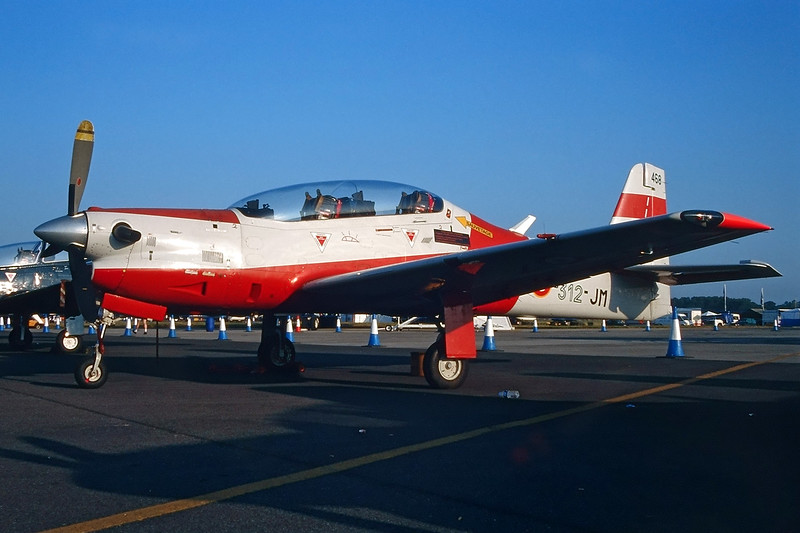 "468 (312-JM) Embraer Emb-312F Tucano ""French Air Force"" c/n 312468 Fairford/EGVA/FFD 27-05-99 (35mm slide)"