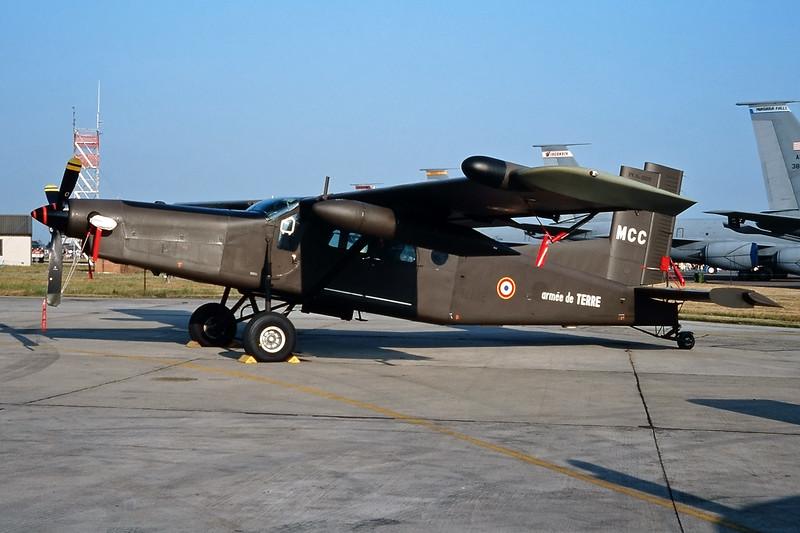 "889 (MCC) Pilatus PC-6 B2-H4 Turbo Porter ""French Army"" c/n 889 Fairford/EGVA/FFD 25-07-99 (35mm slide)"