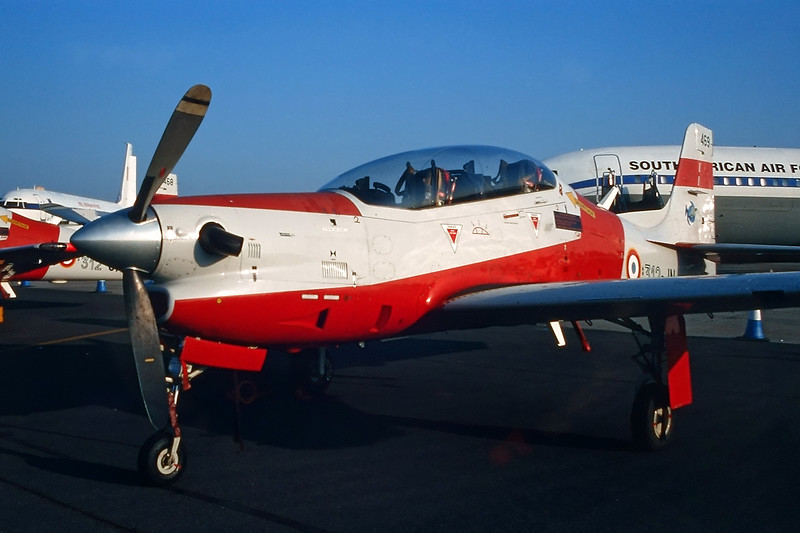 "469 (312-JN) Embraer Emb-312F Tucano ""French Air Force"" c/n 312469 Fairford/EGVA/FFD 25-07-99 (35mm slide)"