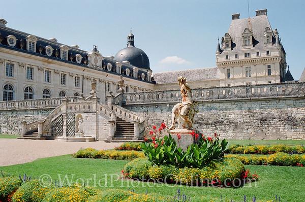 Valencay - Chateau De Valencay Courtyard