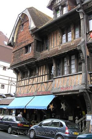 Etretat - 16th Century Hotel (La Salamandre) 1