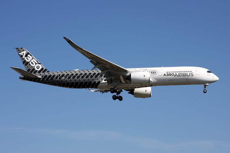 F-WWCF Airbus A350-941 c/n 002 Paris-Le Bourget/LFPB/LBG 10-06-15