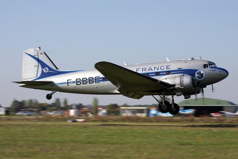 """F-AZTE (F-BBBE) Douglas DC-3 C-47A-1-DL """"Dakota et Cie"""" c/n 9172 St.Andre de L'Eure/LFFD 10-10-10"""
