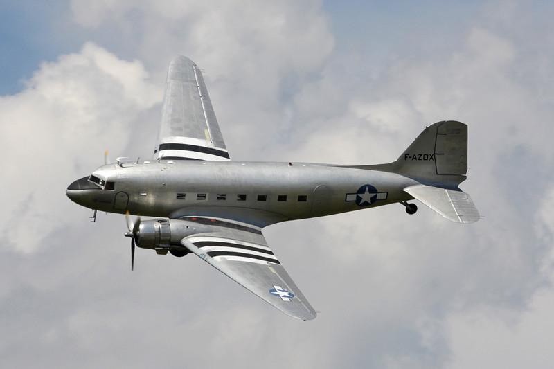 """F-AZOX Douglas DC-3 C-47B-35-DK """"Seine Aviation"""" c/n 16604 Grenoble-St.Geoirs/LFLS/GNB 22-05-11"""