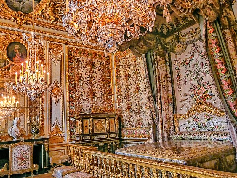Versailles - The Queen's Bedchamber