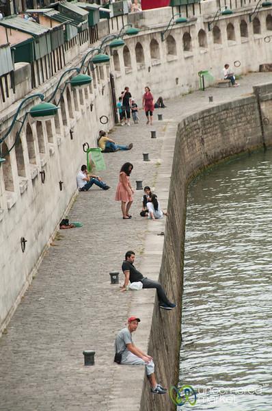 Hanging out on La Seine - Paris