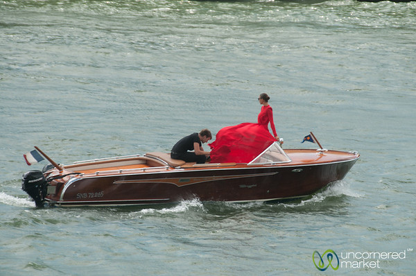 Photo Shoot on La Seine - Paris