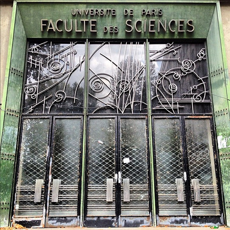 Favorite doorway candidate #10: cosmic Faculty of Sciences #Paris #lovingthemoment
