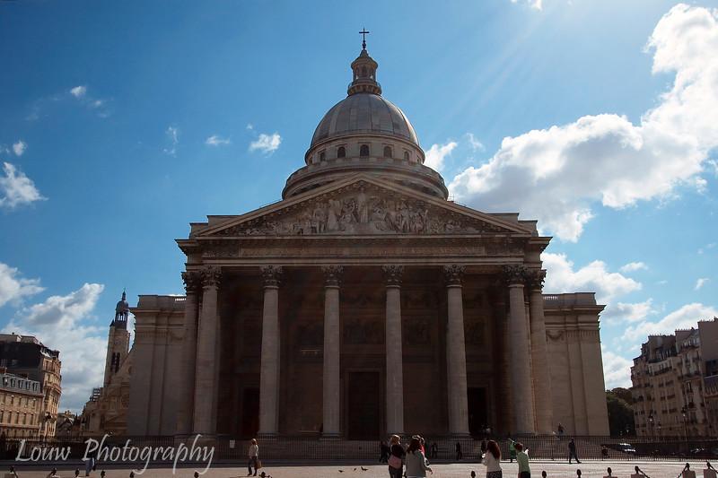 """<a target=""""NEWWIN"""" href=""""http://en.wikipedia.org/wiki/Panth%C3%A9on_%28Paris%29"""">Panthéon</a>, Paris, France"""