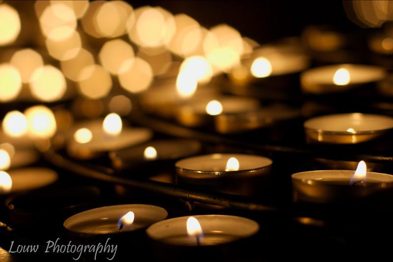 """Candles lit in prayer, <a target=""""NEWWIN"""" href=""""http://en.wikipedia.org/wiki/Notre_Dame_de_Paris"""">Notre Dame de Paris</a>, Paris, France"""
