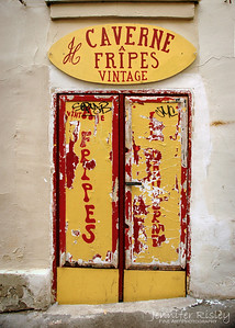 Caverne a Fripes Vintage Door