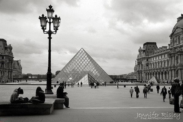 Musee du Louvre Glass Pyramid