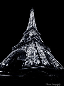 B/W Eiffel Tower