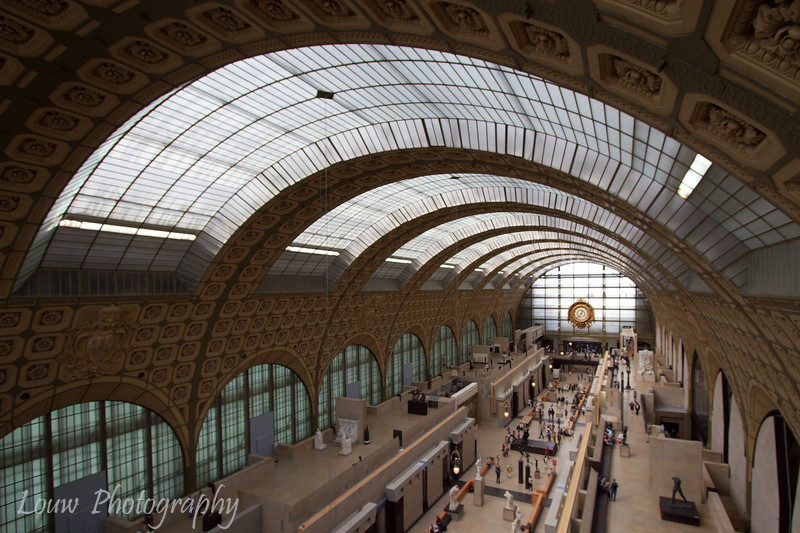 "Inside the <a target=""NEWWIN"" href=""http://en.wikipedia.org/wiki/Mus%C3%A9e_d%27Orsay"">Musée d'Orsay</a>, Paris, France"