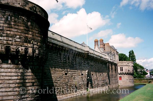 Nantes - Chateau Des Ducs De Bretagne - Wall and Moat 1