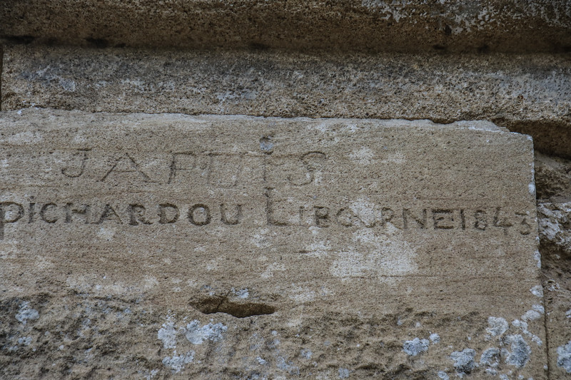 Pont du Gard Graffiti