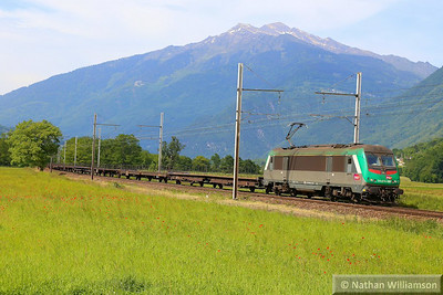 436346 passes Argentine/Epirre Crossing on an empty cartic  06/06/14