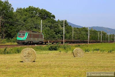 436331 approaches Montmelian on an empty cartic  08/06/14