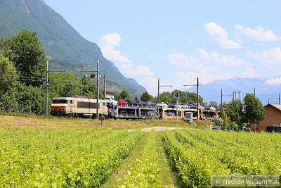 407375 passes St Jean De La Porte with a loaded cartic from Italy  10/06/14