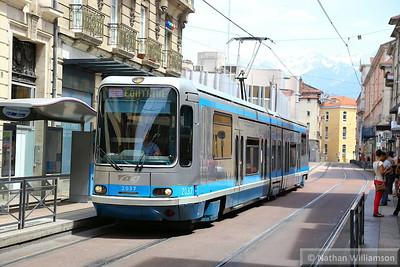 2035 calls at 'Berdun Prefecture' in Grenoble  07/06/14