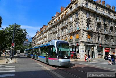 6014 arrives into 'Victor Hugo' in Grenoble  07/06/14