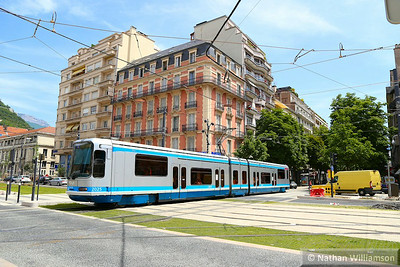 2025 arrives into 'Alsace-Lorraine' in Grenoble  07/06/14