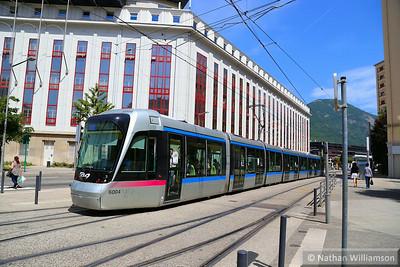 6004 departs 'Chavant' in Grenoble  07/06/14