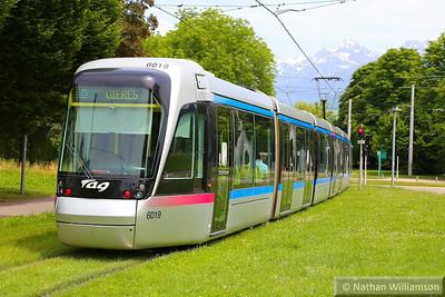 6019 departs 'Les Taillées Universités' in Grenoble  07/06/14