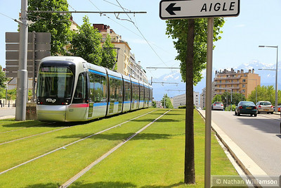 6029 arrives into 'Vallier Liberation' in Grenoble  07/06/14
