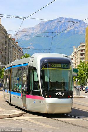 6018 arrives into 'Chavant' in Grenoble  07/06/14