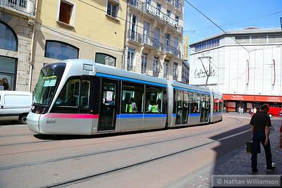 6017 passing Maison du Tourisme in Grenoble  07/06/14