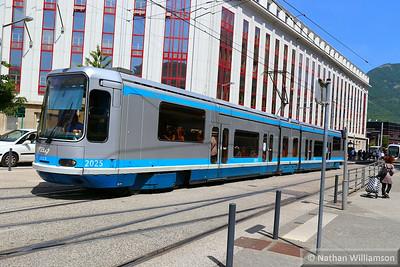 2025 departs 'Chavant' in Grenoble  07/06/14