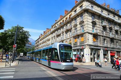 6005 arrives into 'Victor Hugo' in Grenoble  07/06/14