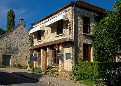 Restaurant in Milon-la-Chapelle