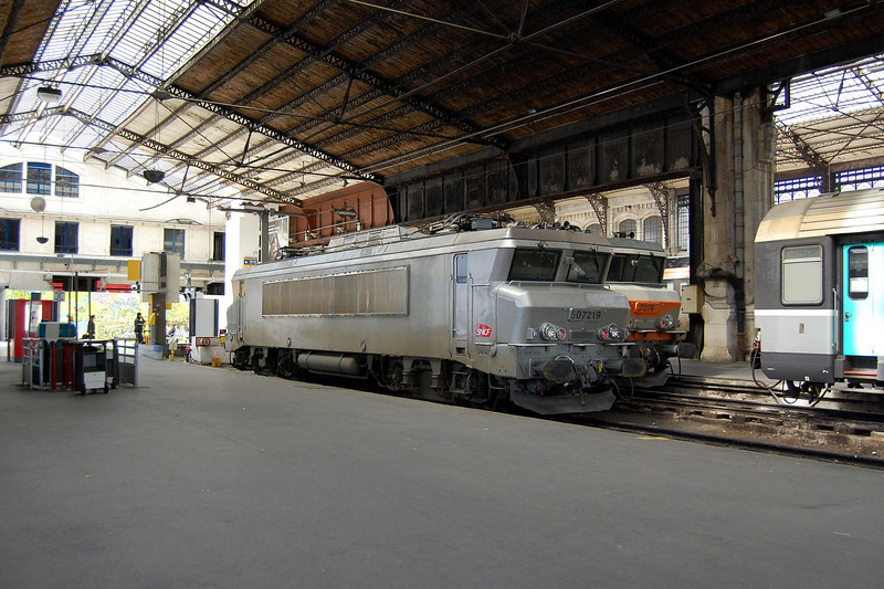 BB 7219 at Paris Austerlitz.