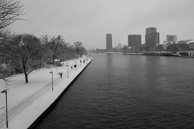 The Frankfurt Main on a snowy day