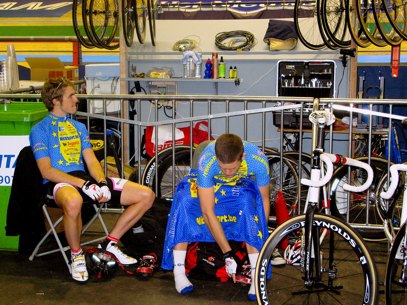 Peter Williams (UK) and Jackie Simes (USA) before the start of the Under-23 Race.