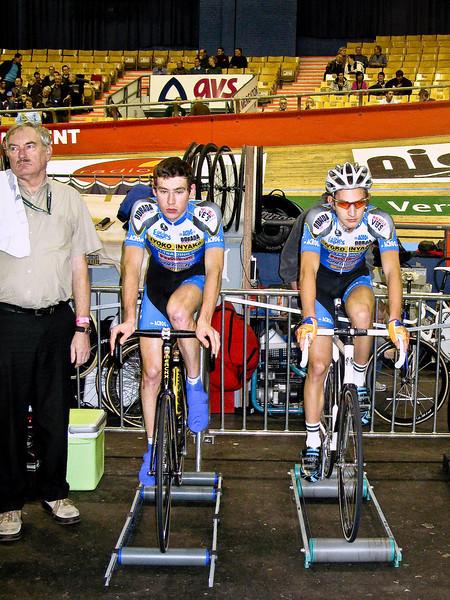Gert Jan van Immerseel and Maarten Vlasslear (Belgium) warm up on rollers before the U-23 race.