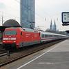 101 032 passes Köln Messe/Deutz.