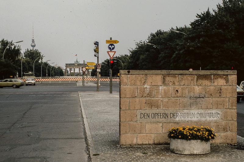 Brandenburg Gate from West Berlin