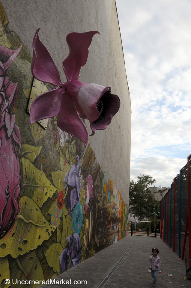 3-D Flower Street Art in Kreuzberg, Berlin