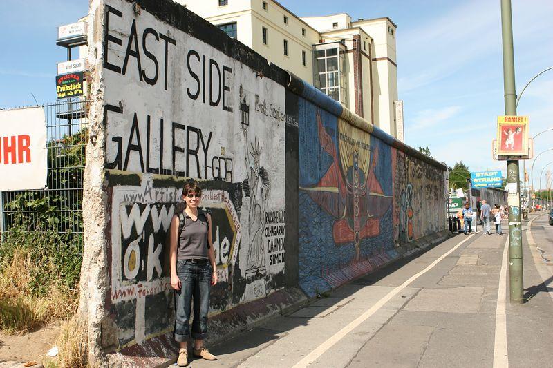Paula, Berlin wall