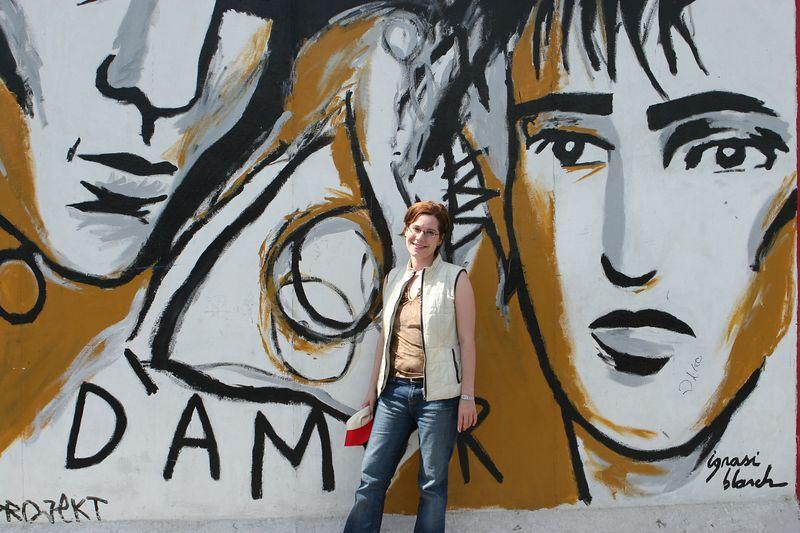 Terri, Berlin wall