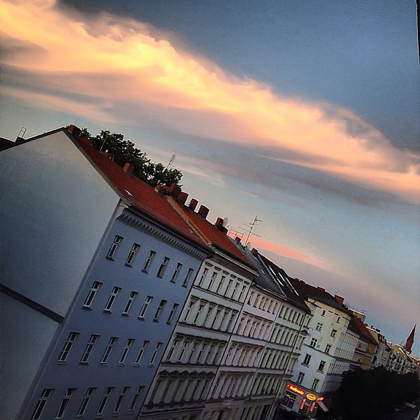 Pink sky at night, hipsters delight? Berlin twilight #cloudporn #skyporn