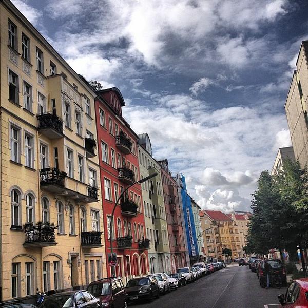Autumn creeping up. Blue #skyporn and a streetful of color. Berlin Schöneberg neighborhood on a sleepy Sunday AM.