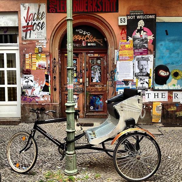 Streetsplash. If you look closely, you'll see Berlin. Seen in our 'hood: Neukölln, Schillerkiez (or Tempelkölln, perhaps?)