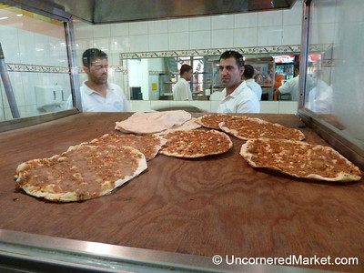 Lahmacun (Turkish Pizza) Straight from the Oven - Kreuzberg, Berlin