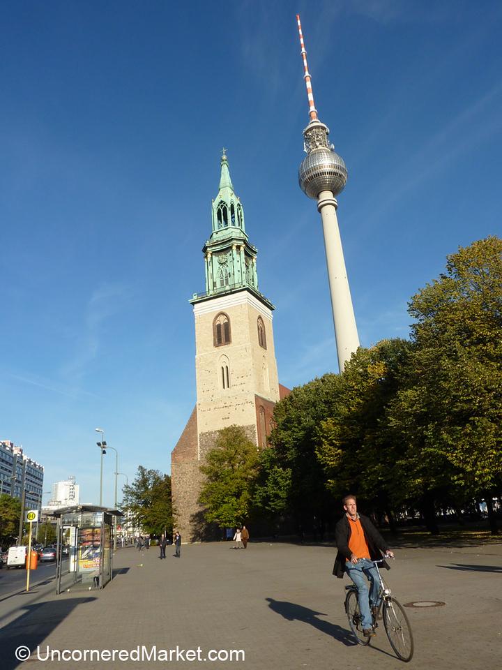 A Perfect Day - Biking Across Berlin